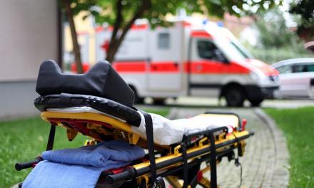 Trasladado al Universitario de Badajoz un conductor herido de gravedad en Bodonal de la Sierra