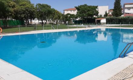 Portaje establece diferentes turnos en las piscinas municipales ante la gran afluencia de usuarios