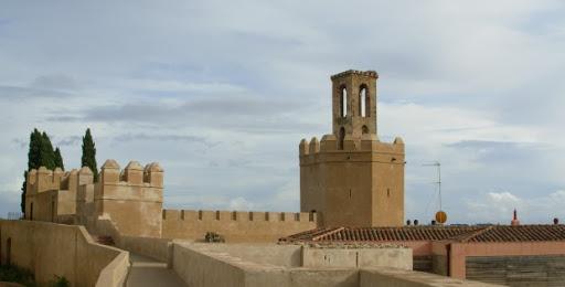 Amigos de Badajoz critica que la Alcazaba esté «como un basurero» y pide vigilancia, sanciones y cierre nocturno
