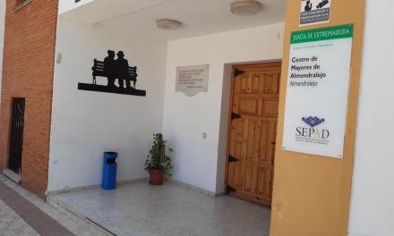 Extremadura obliga a hacer la PCR a los nuevos ingresos y trabajadores de residencias