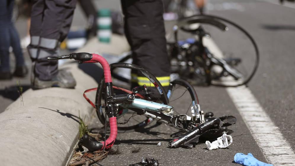 Un ciclista presenta erosiones y trauma torácico tras sufrir un accidente cerca de El Batán