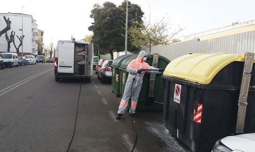 Badajoz realiza desinfecciones en los entornos de las residencias de mayores