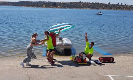 Más de 60 personas participan en un simulacro de accidente en el pantano de Orellana