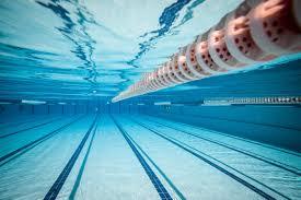 Moraleja abre la piscina cubierta con control de temperatura, uso de mascarilla y limitación de aforo
