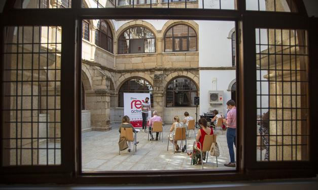 Una inyección de 500.000 euros para que los pueblos de Cáceres sigan luchando frente a la Covid