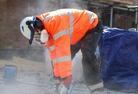 """Junta, sindicatos y patronal firman el VIII Plan de riesgos laborales que apuesta por la """"decencia"""" en el empleo"""