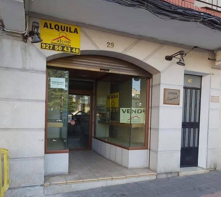Vox denuncia el cierre de establecimientos en Cáceres y Coria ante la falta de ayudas a autónomos y empresarios