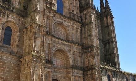 El obispo de Plasencia nombra a dos nuevos canónigos de la Catedral