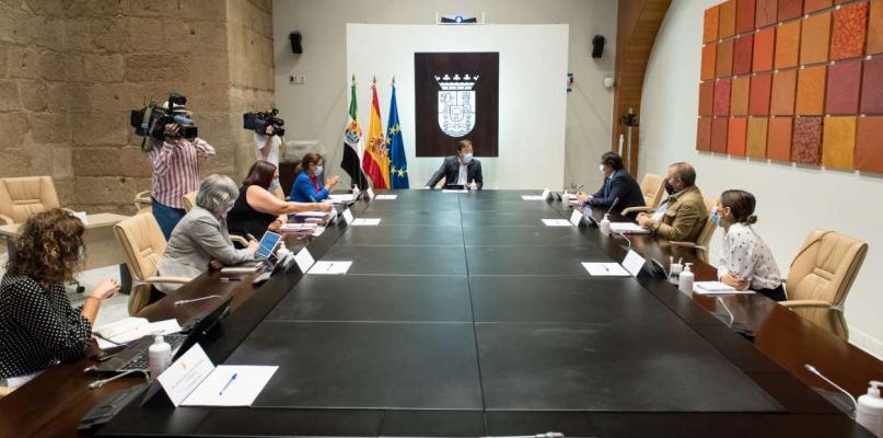 La Junta dará ayudas a las 2.300 mujeres que ejercen la prostitución en Extremadura