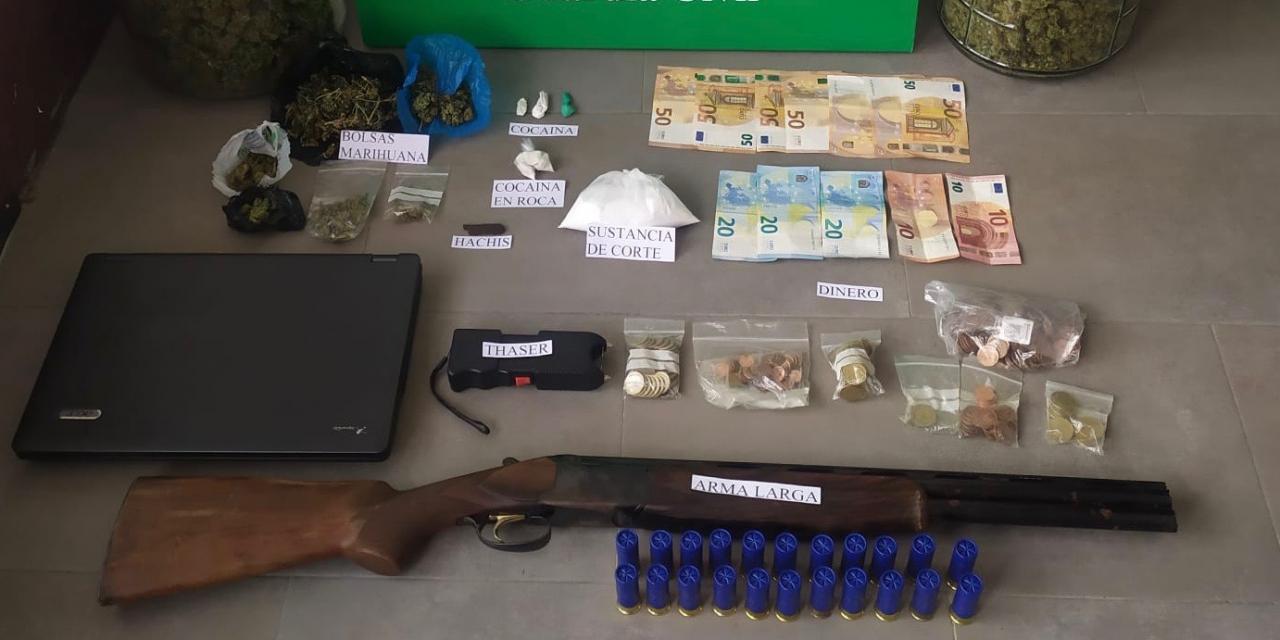 Intervienen armas, droga y dinero en dos viviendas de Montehermoso y Cáceres