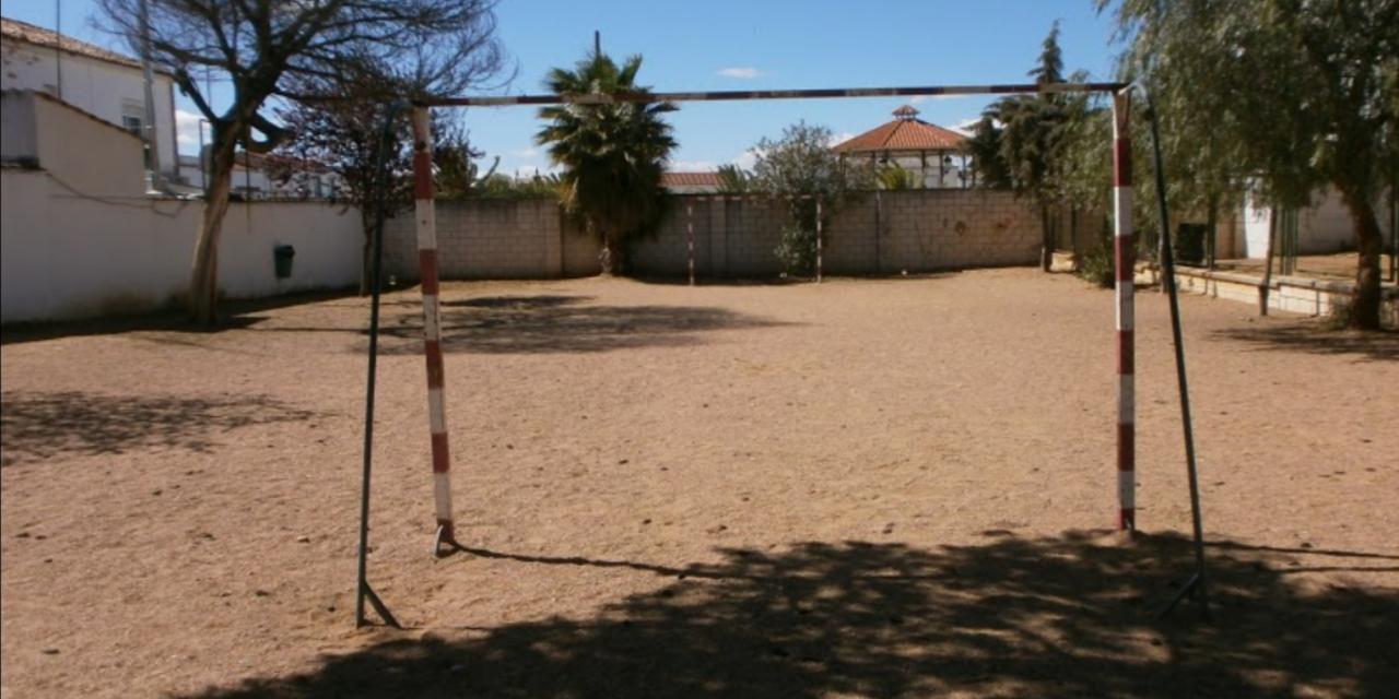 Educación clausura el colegio de Torremejía por la incidencia de la Covid-19