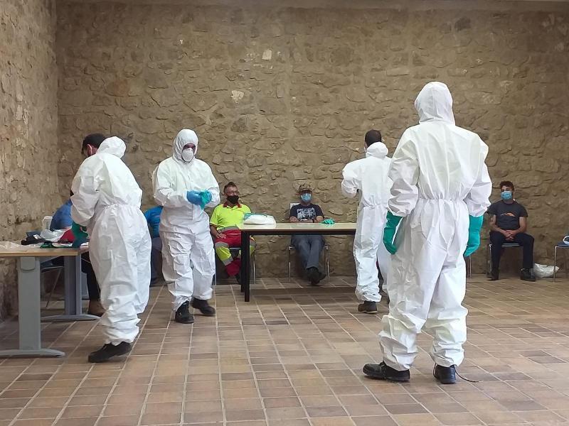 Un centenar de personas trabaja en tareas de desinfección y limpieza en la provincia de Cáceres