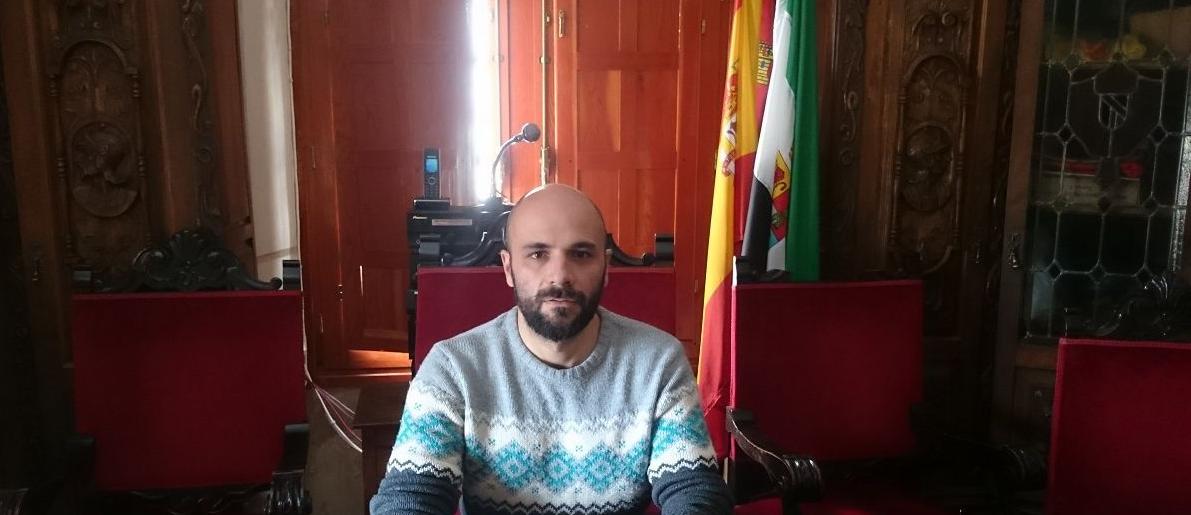 El alcalde de Hoyos pide a la ciudadanía no bajar la guardia frente a la Covid