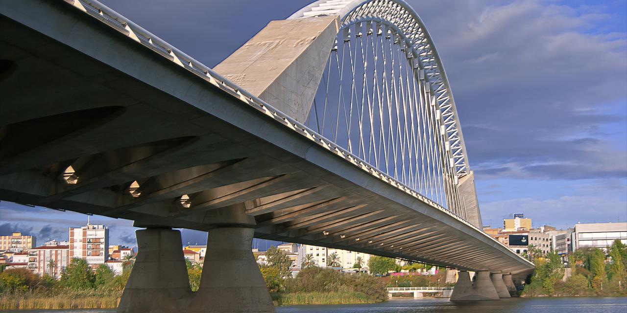 Arranca el proceso para mejorar el estado de conservación del Puente Lusitania de Mérida