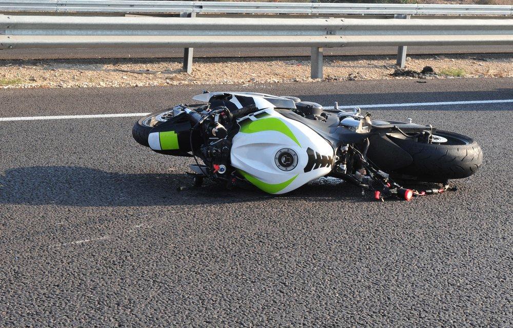 Herido un motorista tras una colisión con un coche cerca de Valverde de Leganés