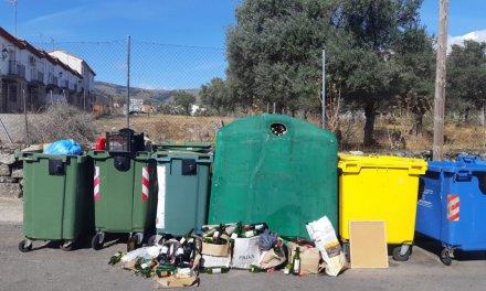 Acebo denuncia la acumulación de residuos de vidrio desde hace más de 15 días
