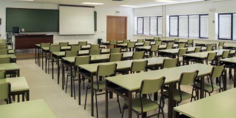 El positivo de una profesora obliga a cerrar el colegio de El Gordo