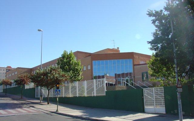 El virus obliga a cerrar las puertas de 122 aulas de colegios de Extremadura