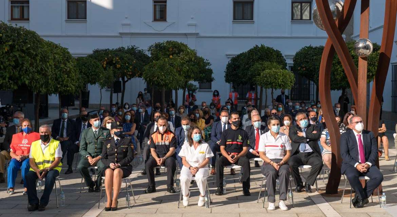 Extremadura rinde homenaje a las 532 víctimas de la pandemia y al esfuerzo de los ciudadanos