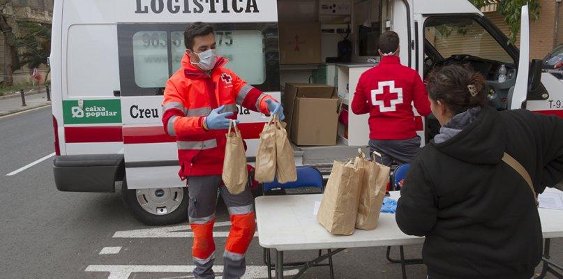 Cruz Roja presta atención psicológica a los vecinos de Eljas que siguen confinados