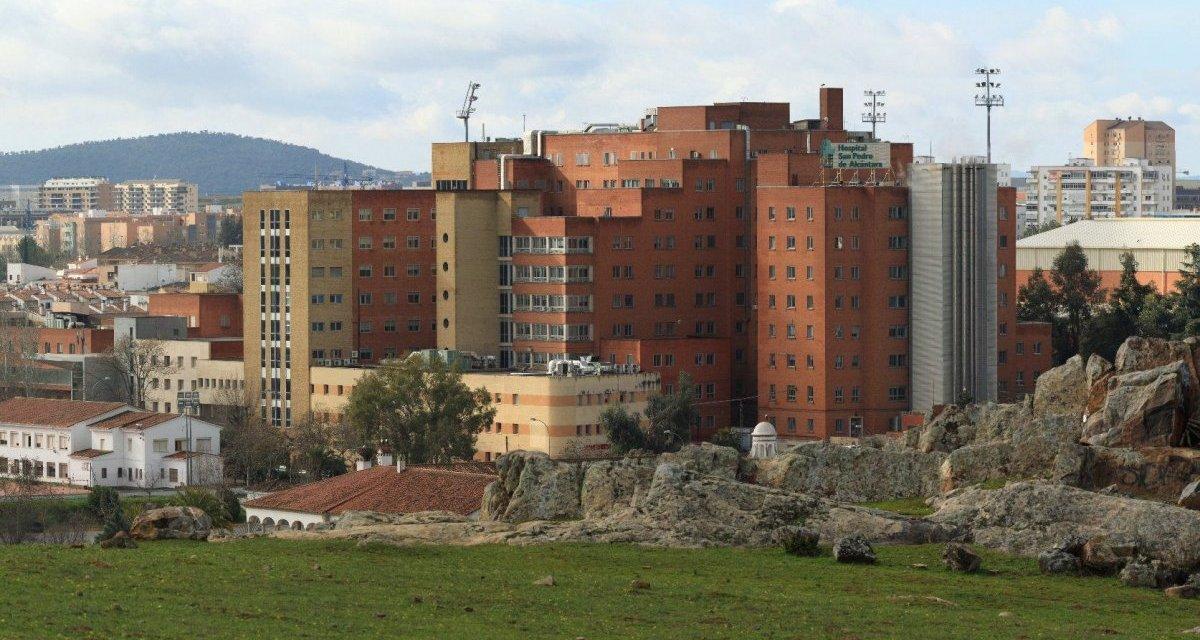 Fallece en el San Pedro de Alcántara de Cáceres un varón de 89 años por coronavirus