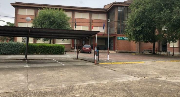 Los estudiantes de Eljas no podrán regresar al IES de Moraleja mientras dure el confinamiento
