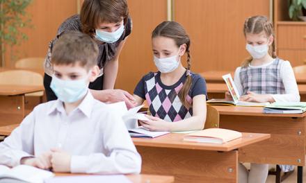 El miedo al contagio hace que los padres soliciten certificados para que sus hijos no regresen a las aulas