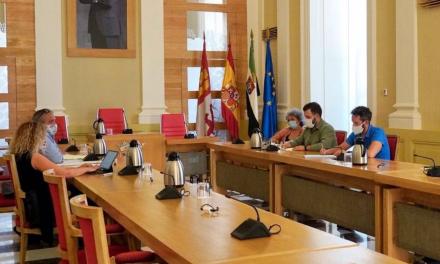 Cáceres incorpora cuatro autobuses para el acceso al campus y se reduce el aforo al 60%