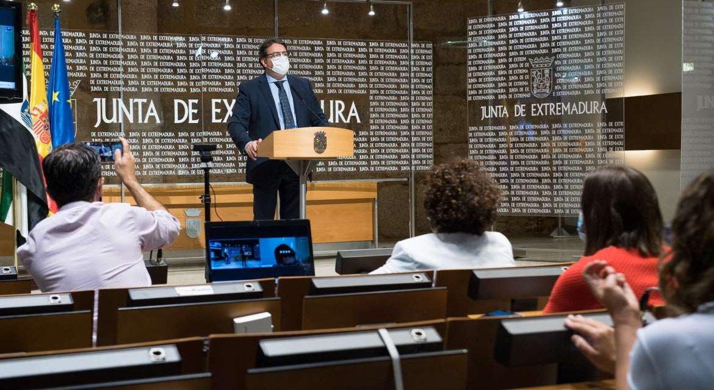 La Junta reduce aforos y limita reuniones en Cáceres para frenar el aumento de contagios