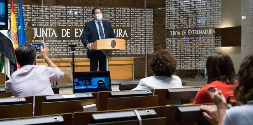 José María Vergeles: «El virus no es un catarrillo»