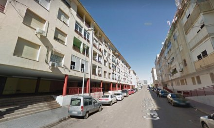 Asisten a dos personas tras el incendio de una vivienda en Badajoz