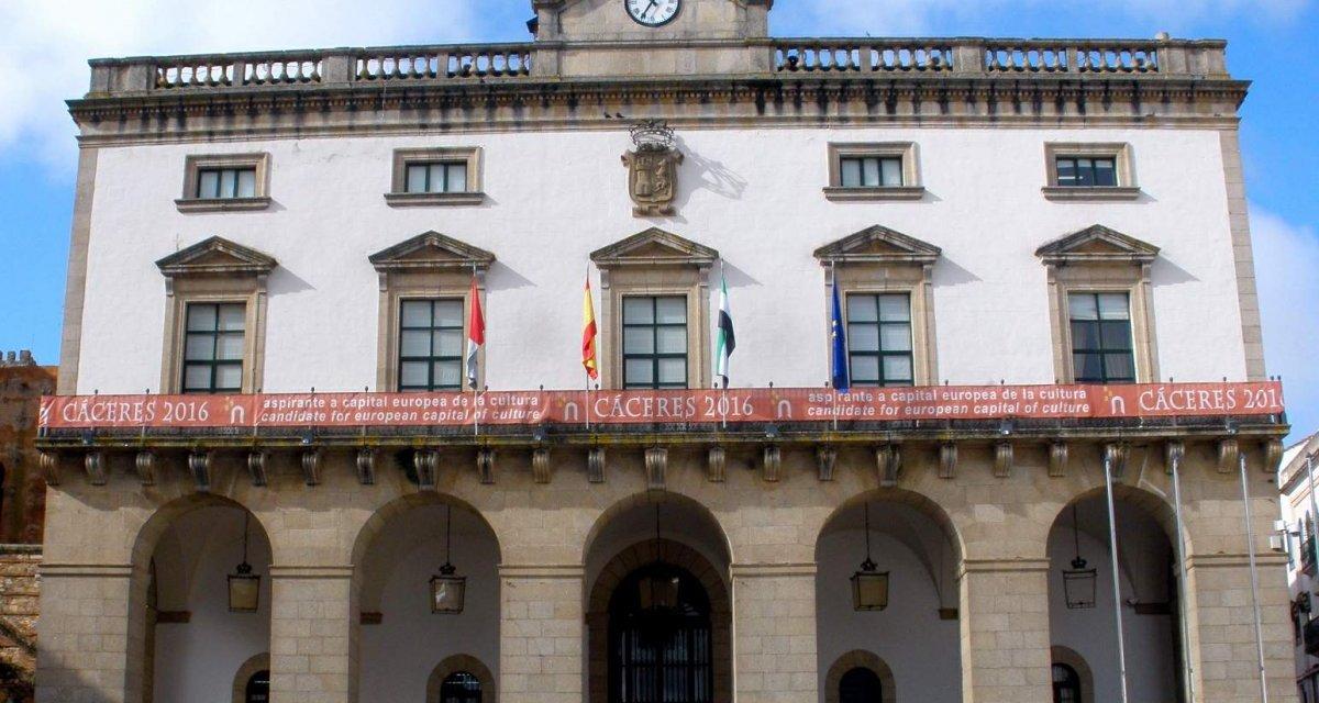 El Ayuntamiento de Cáceres destina 30.000 euros para las asociaciones de vecinos