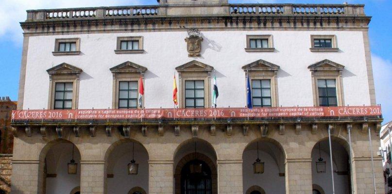 C's Cáceres proponer bonificar el IBI a los propietarios de locales que hayan rebajado el alquiler