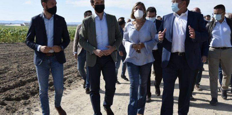 Casado pide en La Vera a Pedro Sánchez que deje de insultar a ganaderos y agricultores