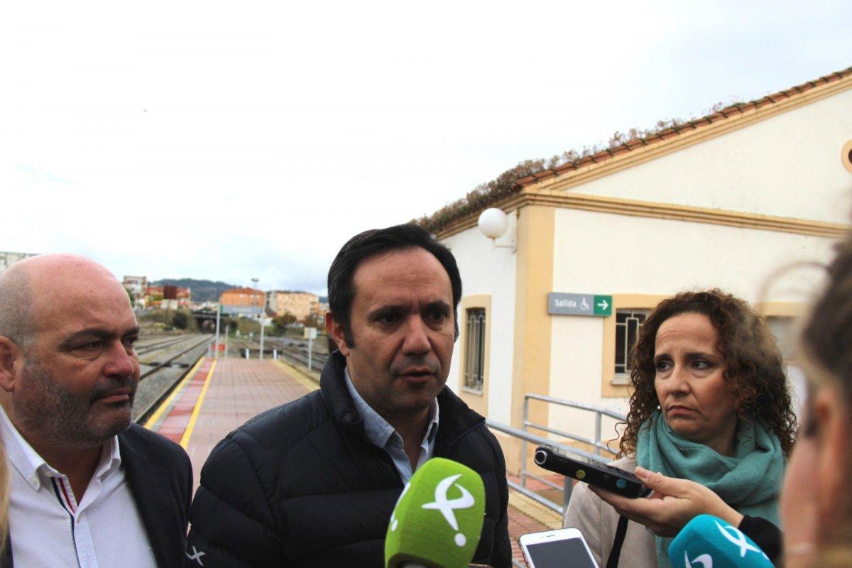 El PSOE quiere poner en marcha un tren turístico desde Navalmoral a Castelo Branco