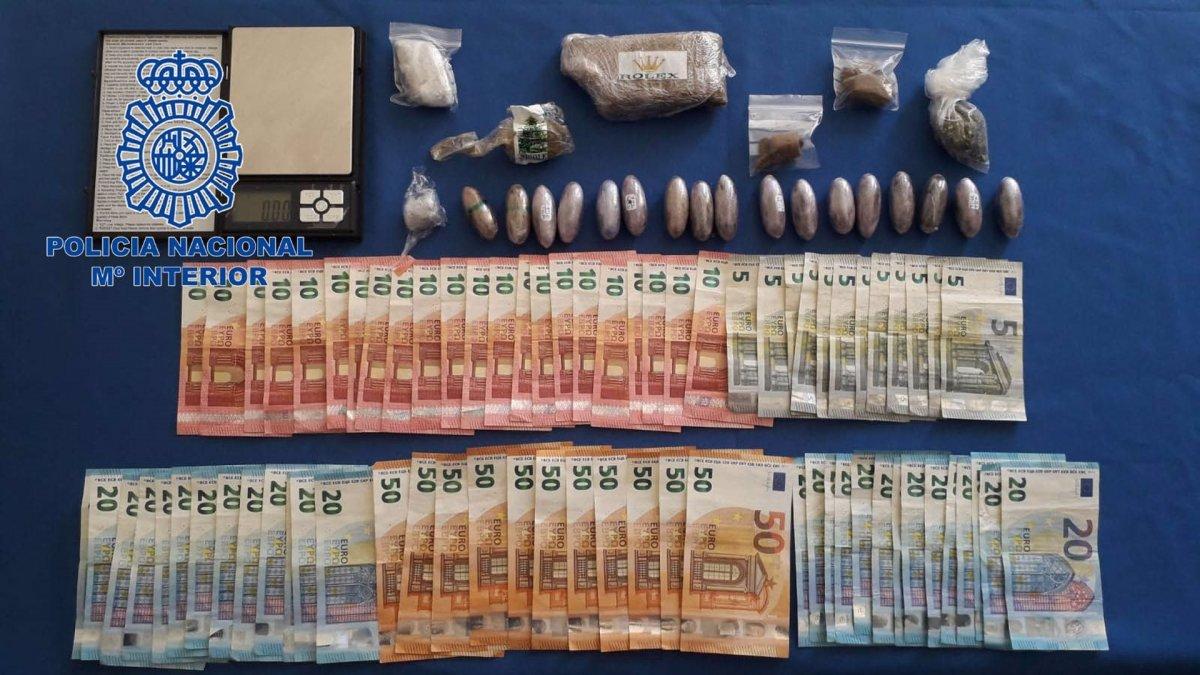 Detenido un hombre en Badajoz por venta de drogas y entregas a domicilio