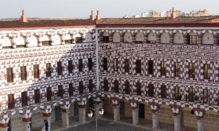 Badajoz retoma las visitas guiadas con un recorrido por el Concurso de Pintura al Aire Libre