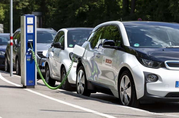 Los extremeños recibirán ayudas económicas para comprar coches eléctricos