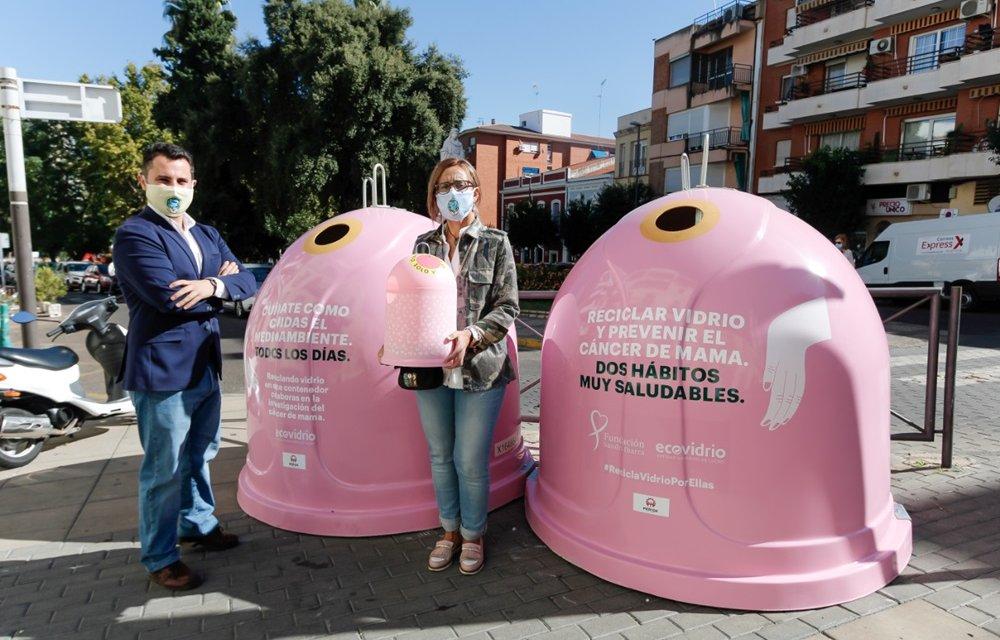 Mérida instala iglús rosas para apoyar la prevención del cáncer de mama