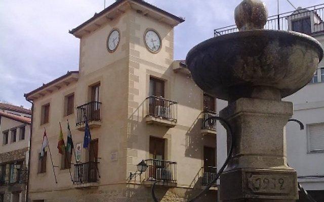 Extremadura mejorará la conectividad en las áreas rurales con fibra óptica o el 5G