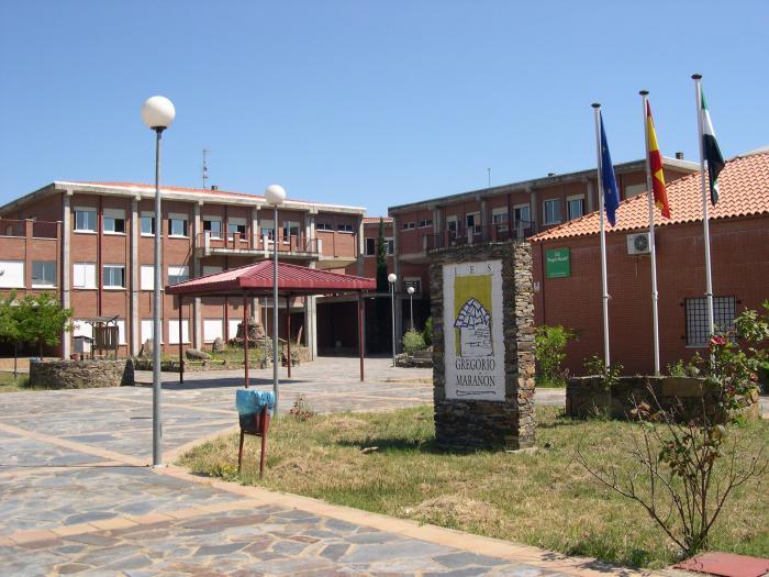Aislamiento para los estudiantes de 14 clases de 11 centros de enseñanza