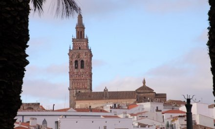 Badajoz registra 96 casos más y 10 pacientes están con Covid en la UCI