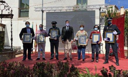 Coria entrega la medalla de la ciudad a los que lucharon en la primera oleada del virus