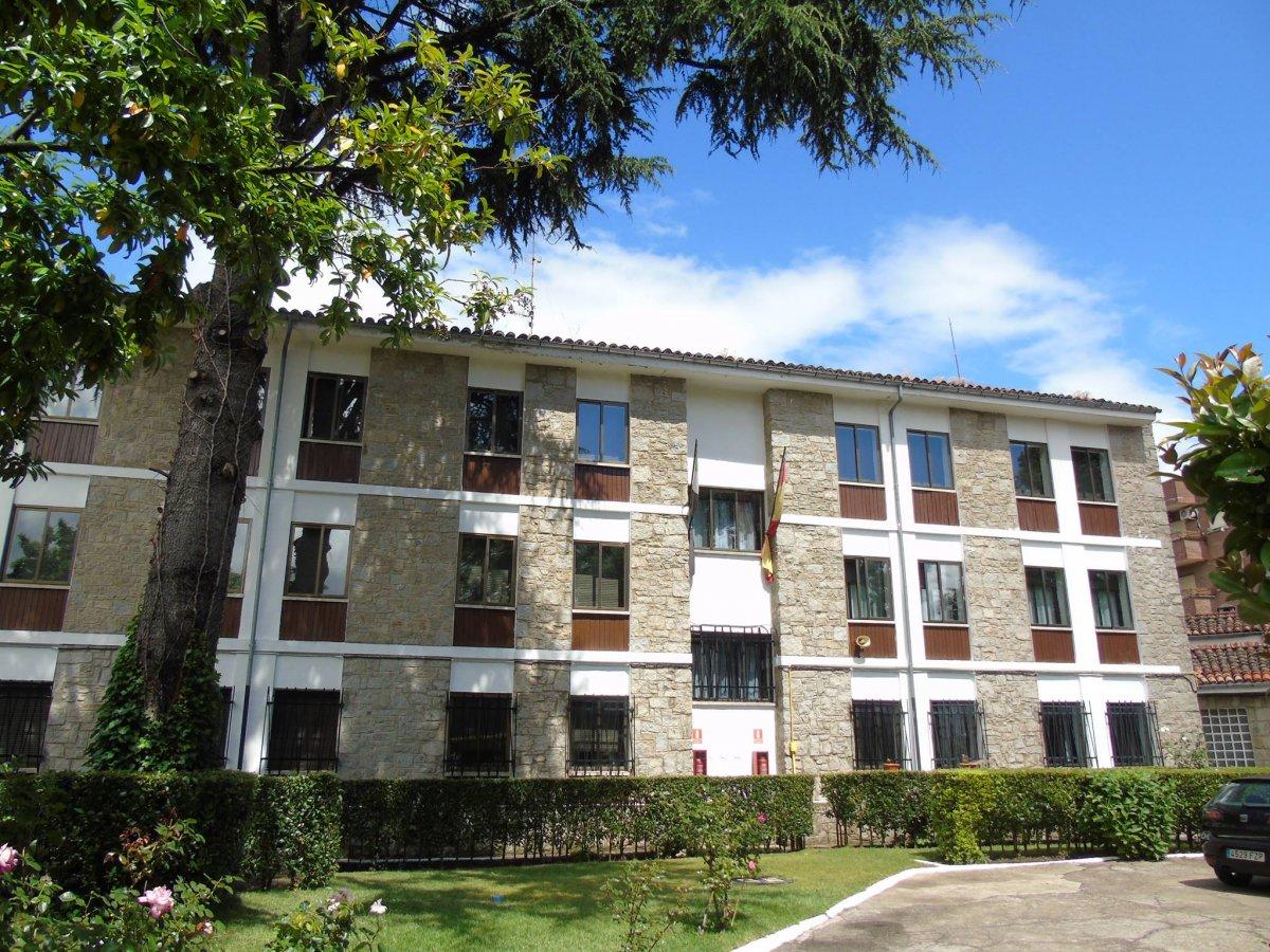 Hervás suma 21 positivos, tiene alumnos aislados y cierra la residencia de estudiantes