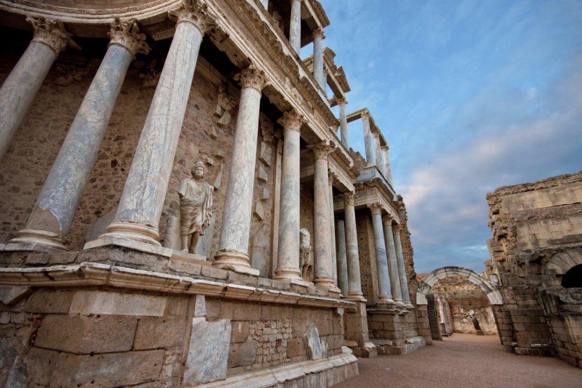 El Consorcio de Mérida invierte 420.506 euros en la mejora del teatro y anfiteatro romanos