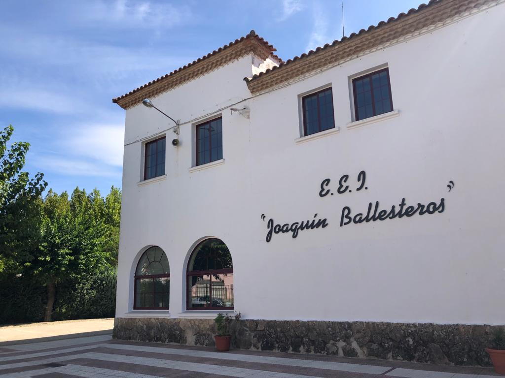 Vuelven a las aulas los niños del Colegio Joaquín Ballesteros de Moraleja