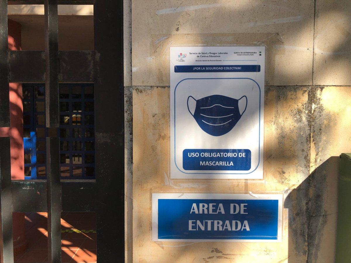 Un fallecido y 77 positivos por Covid en el área de Cáceres, casi la mitad de ellos en la capital