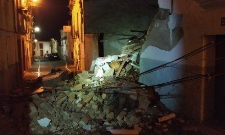 Se derrumba una vivienda en la calle Labradores de Coria