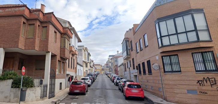 Un incendio calcina la cocina de una vivienda en Cáceres