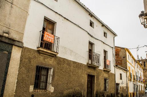 Moraleja dará un toque artístico a las puertas deterioradas en el centro del pueblo